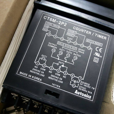 Bộ đếm Autonics CT6M-2P2